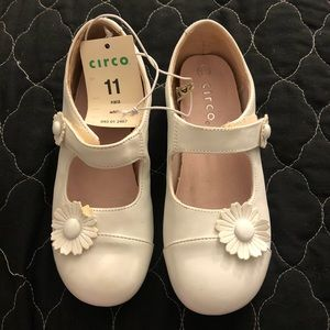 New with tags Circle girl dress shoes